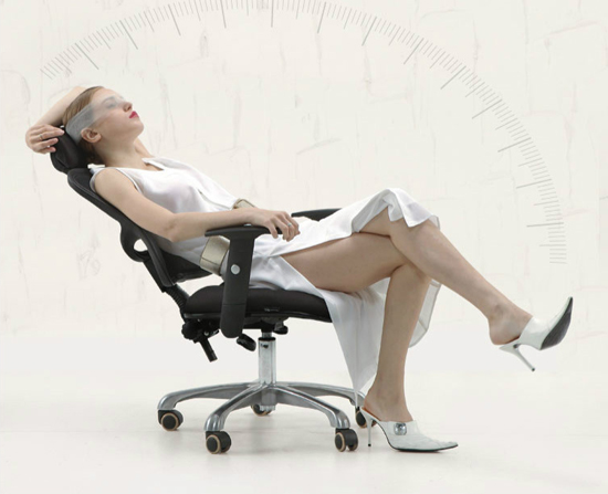 Sử dụng ghế lưới văn phòng – giải pháp giảm căng thẳng, mệt mỏi